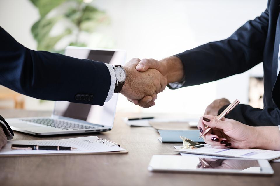 Юридическое сопровождение сделок фирм